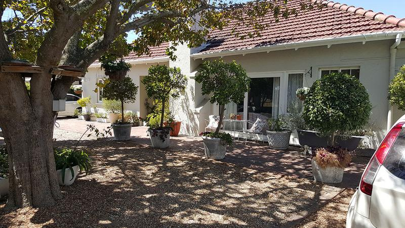 Property For Sale in Pinelands, Cape Town 3
