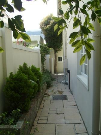 Property For Sale in Rondebosch, Cape Town 25
